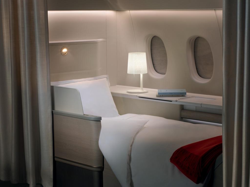 Por dentro da primeira classe: como é voar nos melhores assentos de um avião?